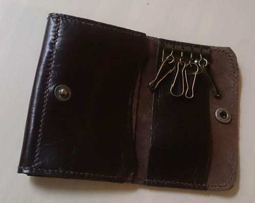 本革の小銭入れ付きキーケース付きパスケースが完成