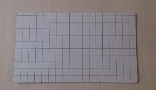 緑の革のシンプルなキーケースの型紙