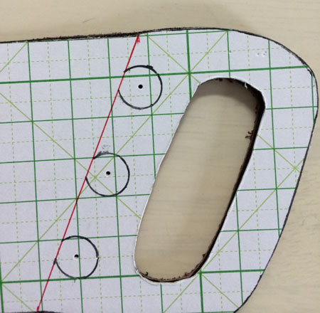 ギボシの取り付け位置を型紙に入れる