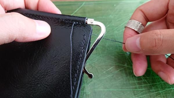 麻糸の縫い終わり 輪っかを塞ぐ